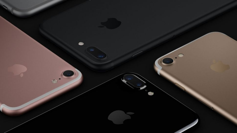 Why iPhone 7 is Expensive in India